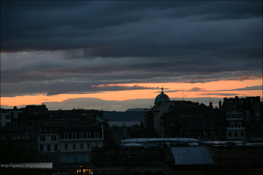 18) Превосходная архитектура Эдинбурга переходит от экстраординарных построек XVI века до монументальных шедевров григорианского и викторианского стилей
