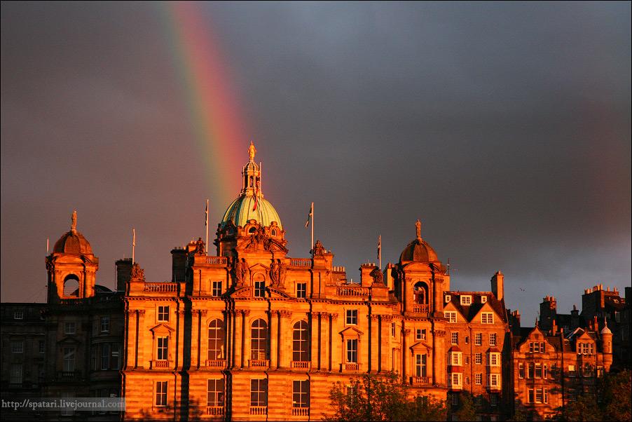 14) Великолепная корона Шотландии, Эдинбург - это не просто красивый древний город, образ средневековой архитектуры, улочки которого хранят воспоминания об отважных рыцарях, а замки и дворцы - об его королях.