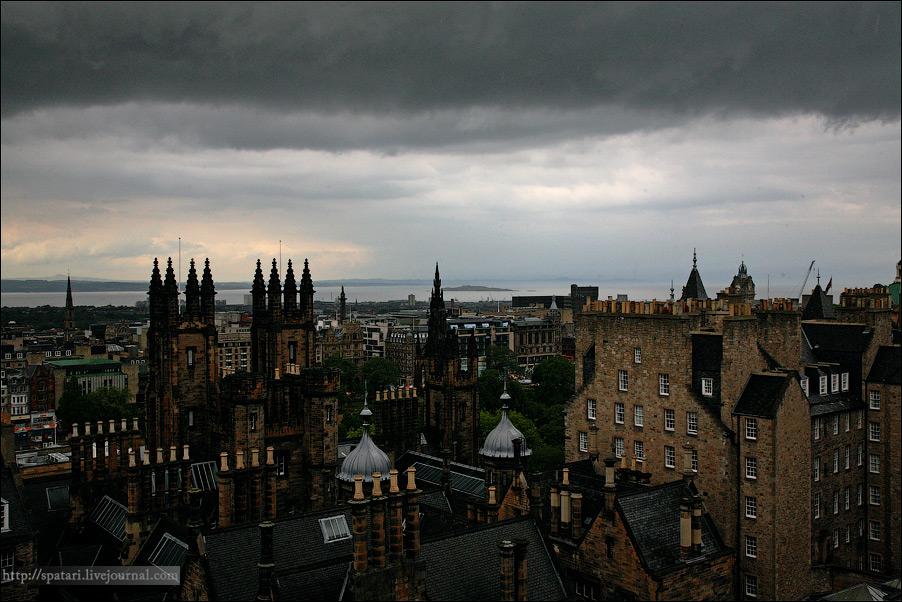 7) Эдинбург — один из наиболее процветающих в экономическом отношении регионов Великобритании. Экономический подъем произошел в 1999 г., когда был восстановлен Парламент Шотландии, после чего в городе было образовано большое количество правительственных учреждений, и в связи с этим начался рост занятости населения.