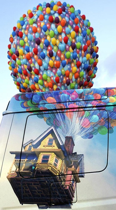 4. Воздушный шар, сделанный в стиле анимационного фильма «Вверх» (Up), отправляется с аэродрома Шамбле-Бюссири в восточной Франции 25 июля. (Jean-Christophe Verhaegen, AFP /Getty Images)