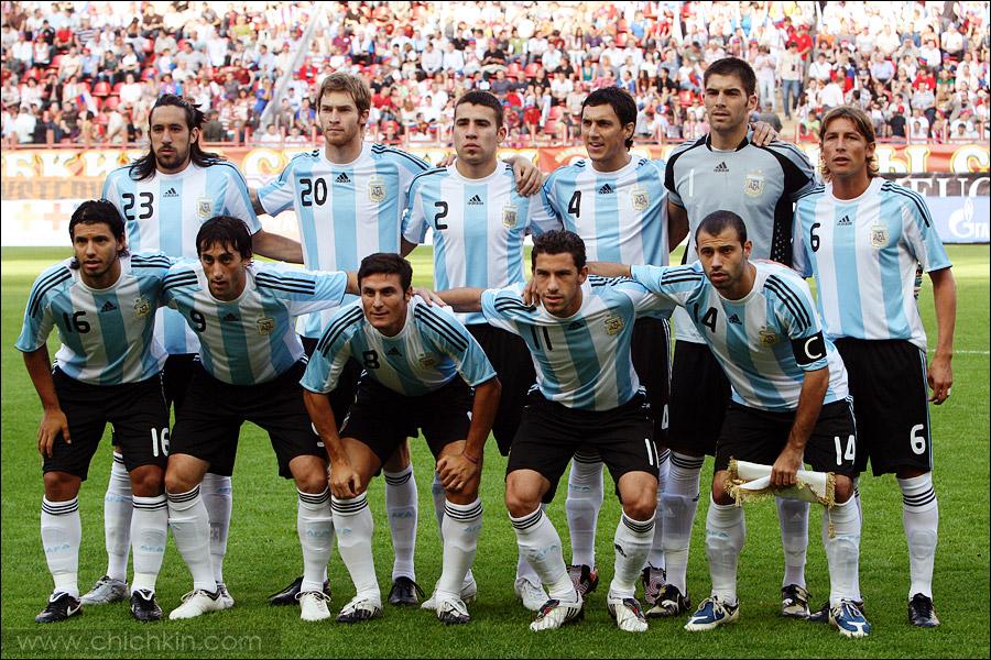 4) В составе сборной Аргентины хотя и не было Месси, других звезд все равно было предостаточно.