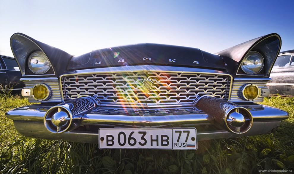36) «ГАЗ-13» 59—81 годов выпуска.