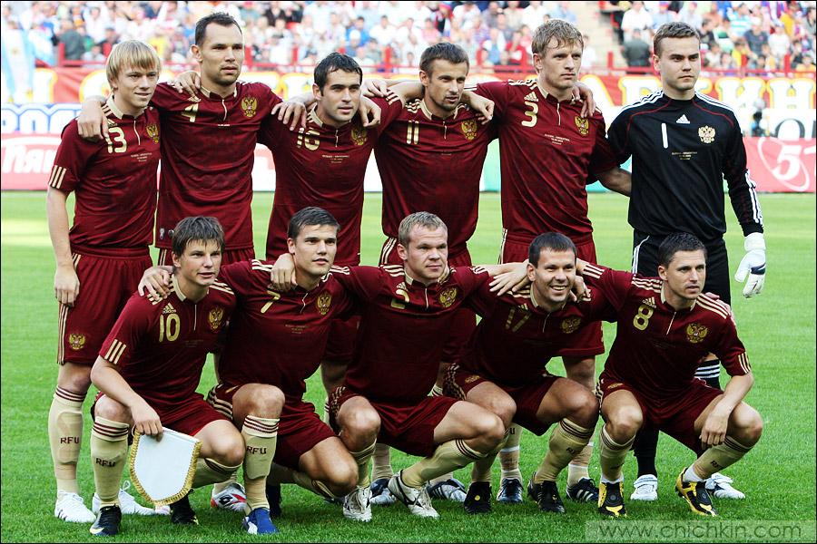 5) У сборной России из-за травм не попали в состав Жирков и Быстров, все остальные были готовы дать бой парням в полосатой форме.