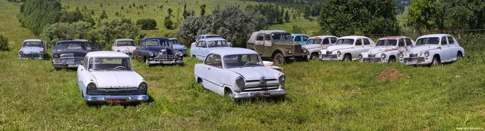 42) Два «Форда Таунуса» 17М и 12М.