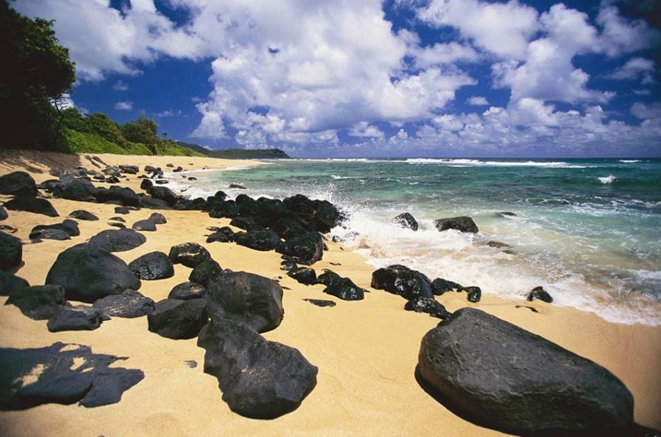 7. Кауаи, также известный как «Остров садов», - самый старый из главных островов Гавайев. Это четвертый крупный остров в Гавайском архипелаге и 21-ый крупнейший остров в США.