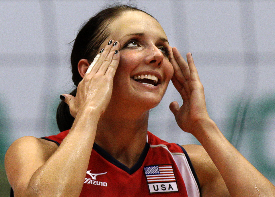 21) Эмоции американки Кристин Ричардс во время волейбольного матча с командой Пуэрто Рико на Мировом Гран-при FIVB в Рио де Жанейро, 1 августа. (REUTERS/Sergio Moraes)