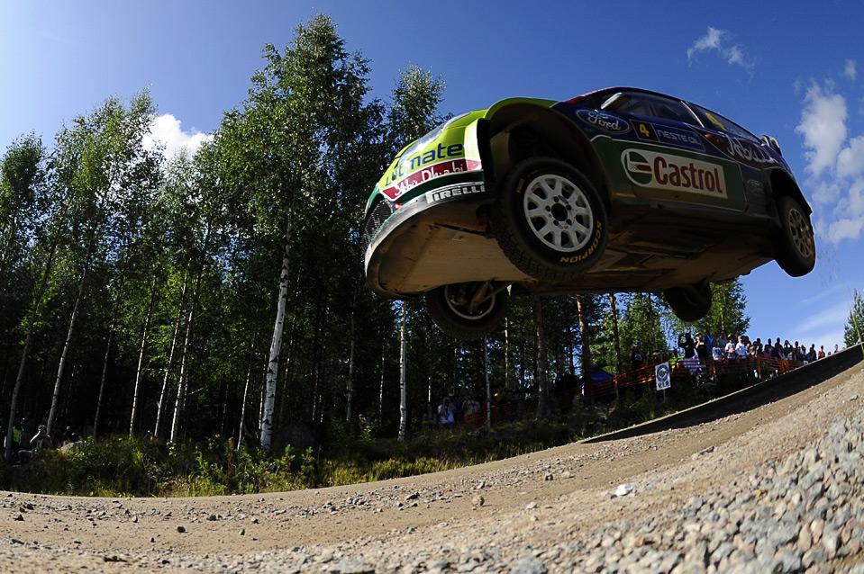 11) Экипаж «Jai-Matti Latvala» во время 3-го дня Ралли Финляндии, 1 августа, Ювяскюля. (OLIVIER MORIN/AFP/Getty Images)
