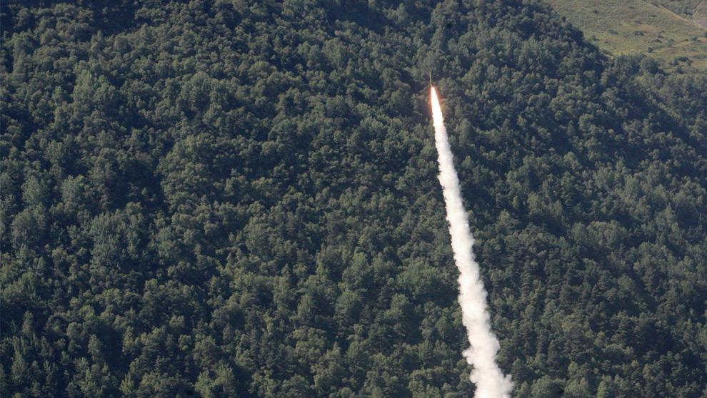 24) Российские военные силы наносят удар в Ардонском ущелье (Россия) на границе с Грузией. 9ое августа 2008 года Фото: Муса Садулаев, AP photo