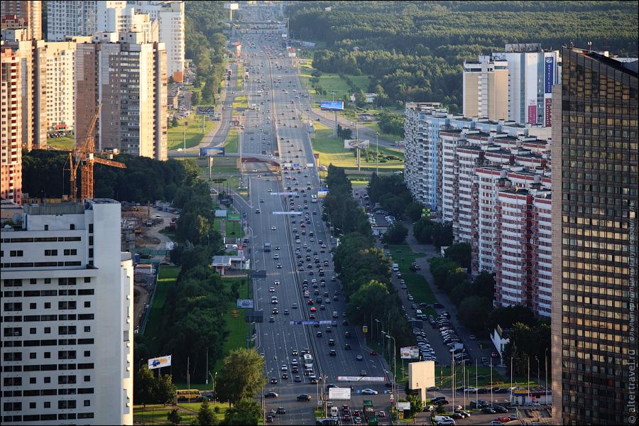 Ленинский проспект в сторону области, развязка с ул. Островитяновва и проспектом Вернадского.