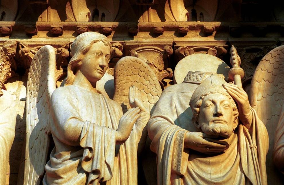 16) Защитники: Знаменитые каменные статуи собора Нотр-Дамм. (Amélie Dupont/Paris Tourist Office)