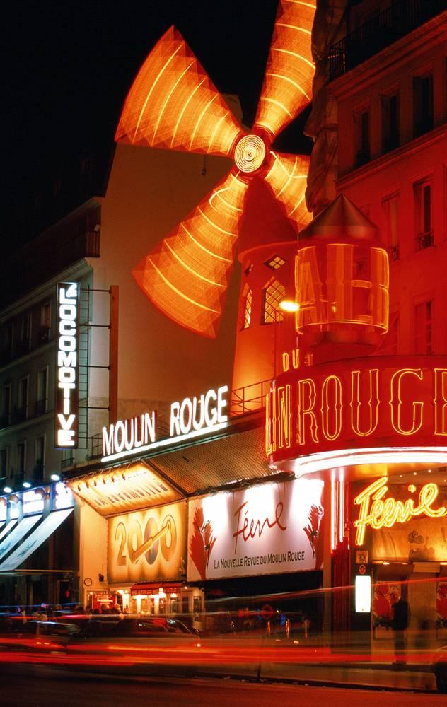 15) Мулен Руж: Кабаре «Мулен Руж» было построено в 1889 году в Парижском районе красных фонарей Пигаль на бульваре де Клиши. Мулен Руж известен как место, где зародился канкан. (David Lefranc/Paris Tourist Office)