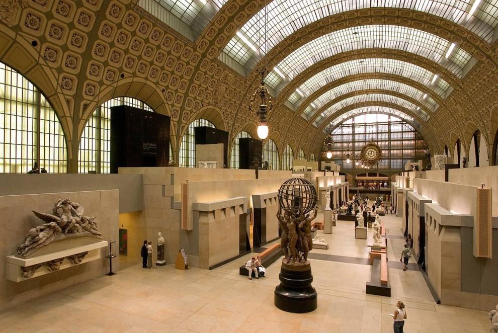 3) Внушительная коллекция: Музей д'Орсе – один из самых популярных музеев Парижа, расположенного в здании бывшей ж/д станции – Гаре д'Орсе. В музее представлена внушительная коллекция скульптур и произведений импрессионистов – Моне, Дегаса, Ренуара и Сезанна. (David Lefranc/Paris Tourist Office)