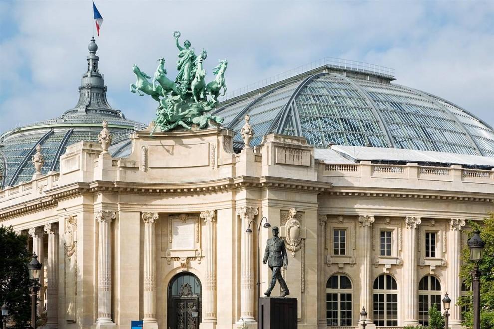 2) Гранд-дизайн: Гранд-палас был построен специально для мировой выставки 1900 года. Здание известно своей стеклянной куполообразной крышей, которая стала одной из самых узнаваемых достопримечательностей Парижа. Над дворцом работали три разных архитектора, сейчас это крупнейшее в мире произведение искусства из железа и стекла. (Marc Bertrand/Paris Tourist Office)