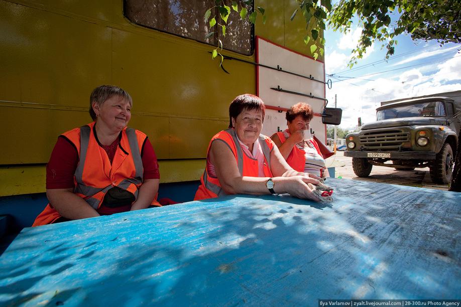 Также много средств уходит на ремонт трамваев после случаев вандализма.