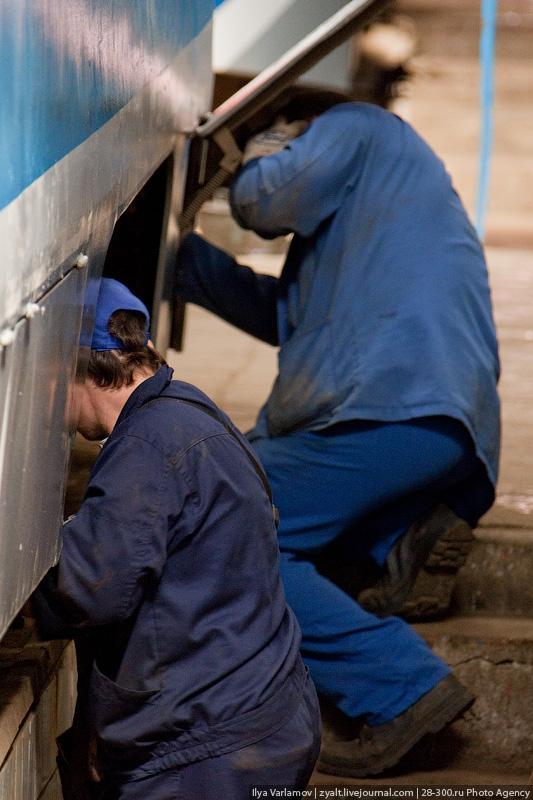 Каждые 60 тысяч километров проводится плановый «средний» ремонт, где трамвай практически полностью разбирается, проверяются все узлы и агрегаты.