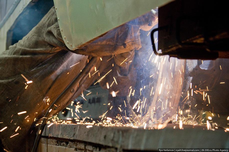 После четырех таких больших ремонтов (примерно 240 тысяч км пробега) вагон отправляется на трамвайный завод для капитального ремонта.