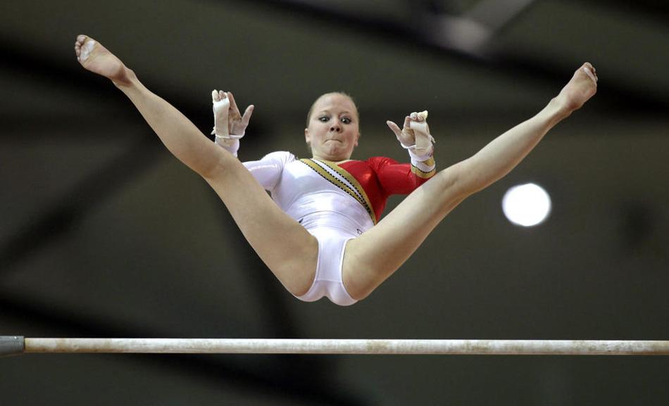 гимнастика в стрингах