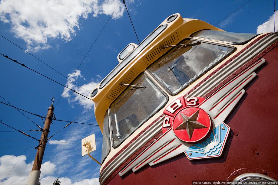 В 1960 году 20 вагонов РВЗ-6 (одни их первых, выпущеных заводом) поступили в Апаковское депо и эксплуатировались в течение нескольких лет, после чего были переданы в другие города.