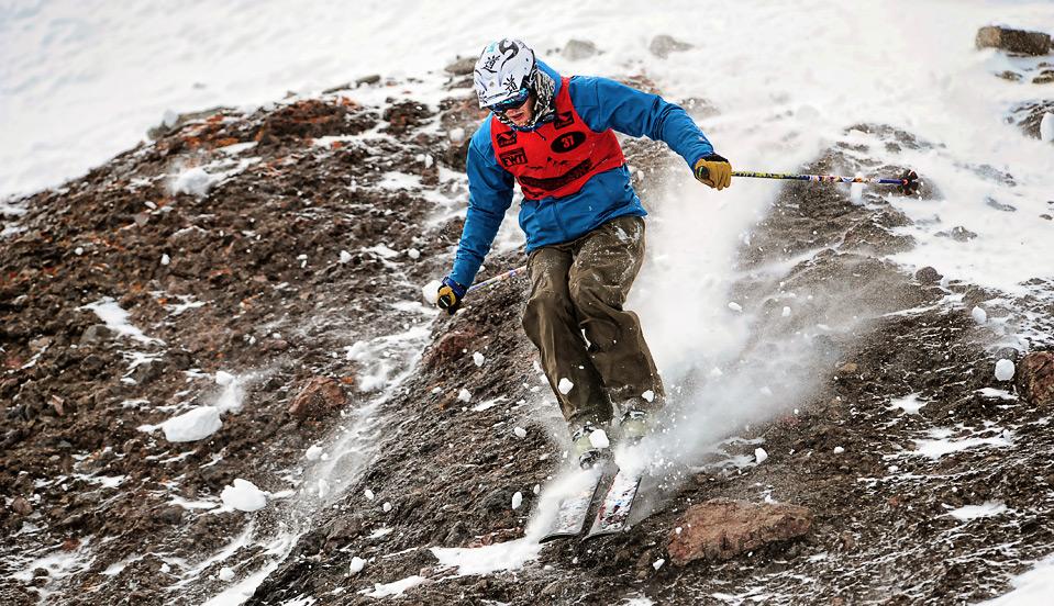 24) Американец Трэвис Вульф попадает на камни во время Чемпионата Южной Америки по фрискиингу в Ле Парве, Чили, 4 сентября. (MARTIN BERNETTI/AFP/Getty Images)