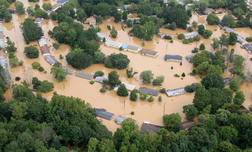 5. Затопленные дома в Мэблтоне, штат Джорджия, во вторник 22 сентября 2009 года. (AP Photo/John Bazemore)