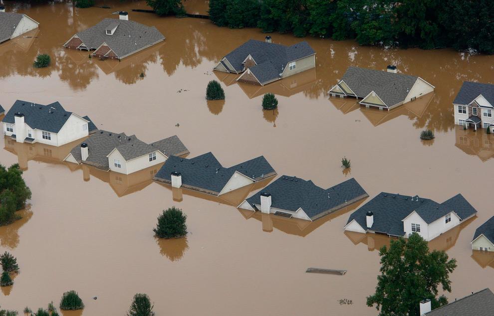 25. Затопленные дома в Мэблтоне, штат Джорджия, во вторник 22 сентября 2009 года. (AP Photo/John Bazemore)