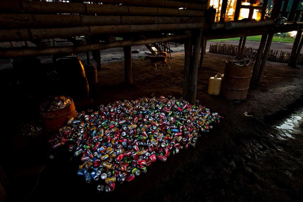 18. Переработка в процессе в деревне Кубут, озеро Мюррей, Папуа — Новая Гвинея, 1 января 2009 года. (Brent Stirton/Getty Images)