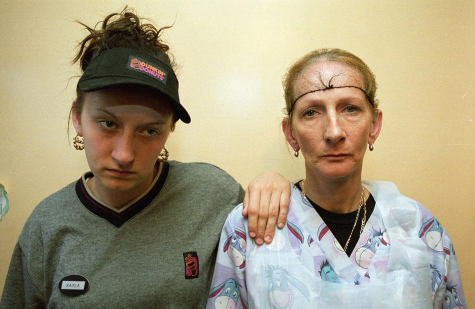 3) Кайла и ее мать Дебора, перед уходом на работу.
