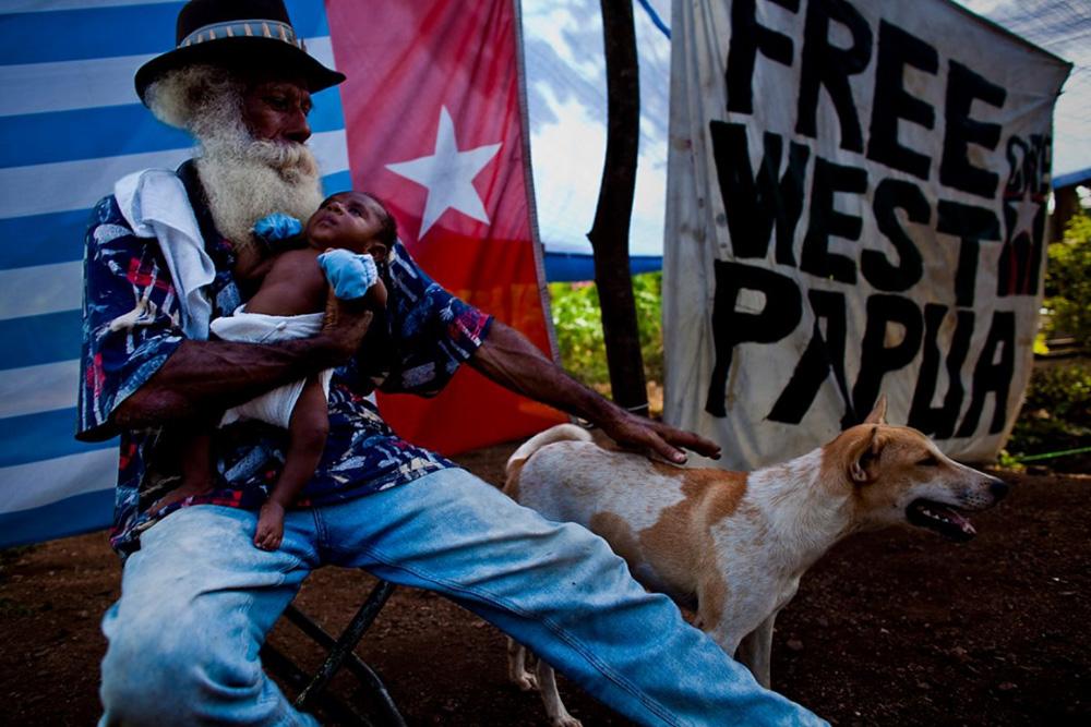 30. Беженцы и участники движения «Свободная Западная Папуа» в лагере для беженцев на окраине Порт-Морсби 23 декабря 2008 года. (Brent Stirton/Getty Images)