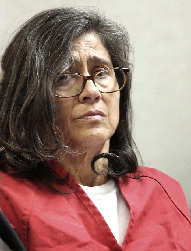 4. Филипп и Нэнси Гарридо (на фото) были привлечены к суду по 29 статьям, включая насильственное похищение, изнасилование и незаконное лишение свободы. Они заявили о своей невиновности. Полиция сообщает, что 54-летняя Нэнси Гарридо участвовала в похищении Дугард. Прокуроры заявляют, что для усмирения девочки был использован электрошок. (Rich Pedroncelli, AP)