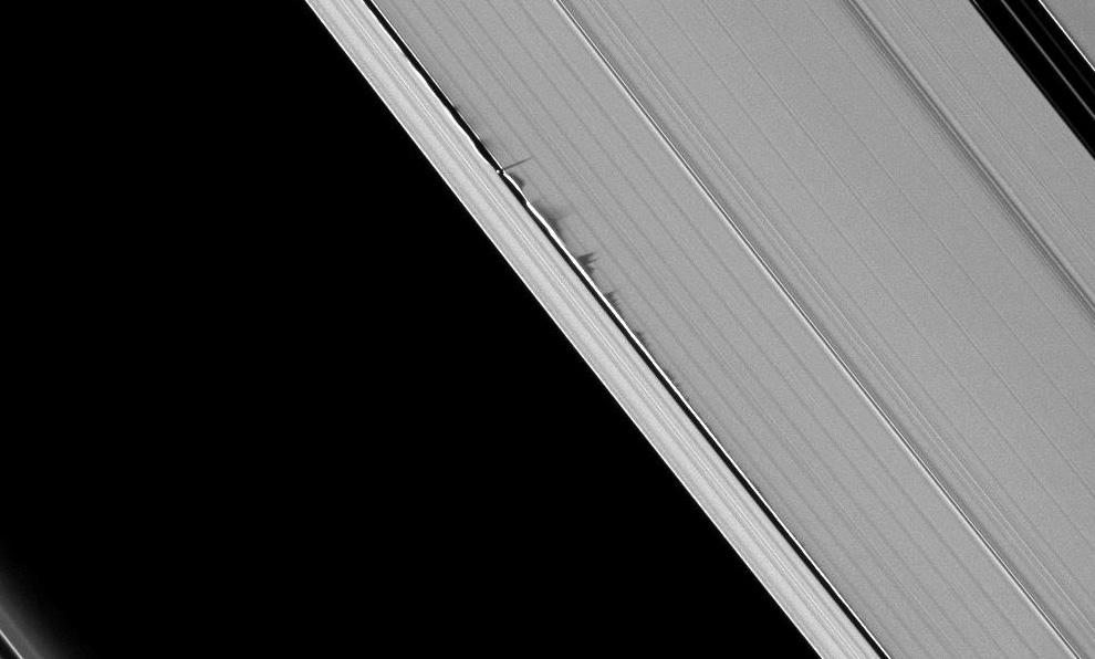 s08 pia1 Равноденствие на Сатурне