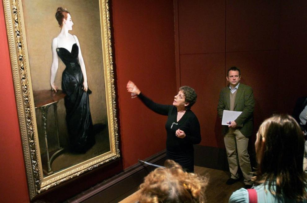 3. «Мадам Х» американского художника Джона Сингера Сарджента произвела скандал, когда ее выставили в Париже в 1884 году. Сарджента обвинили в том, что он нарисовал женщину в слишком сексуальной позе. (Carl De Souza/AFP/Getty Images)