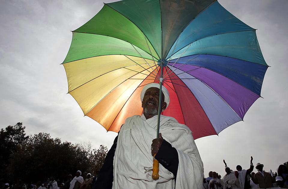 """1) Члены эфиопской еврейской общины отметили праздник """"Sigd"""" в Иерусалиме. Согласно эфиопской традиции, во время этого праздника отмечают библейский союз между еврейским народом и Богом. (Darren Whiteside/Reuters)"""