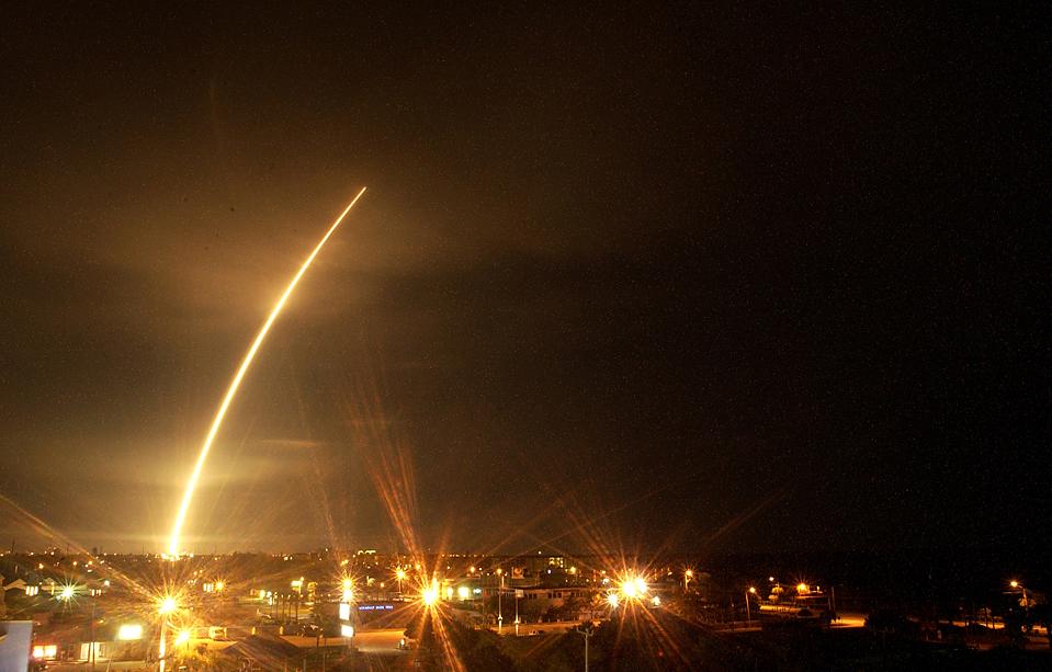 4) Ракета Атлас V была успешно запущена со станции ВВС на мысе Канаверал во Флориде. (Malcolm Denemark/Florida Today via Associated Press)