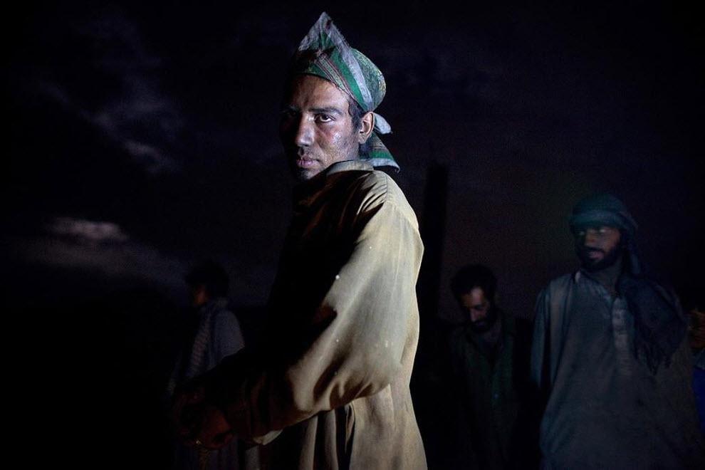 13. Лицо Гулагха покрыто сажей от поддержания огня в печи для обжига кирпичей. (Paula Bronstein, Getty Images)