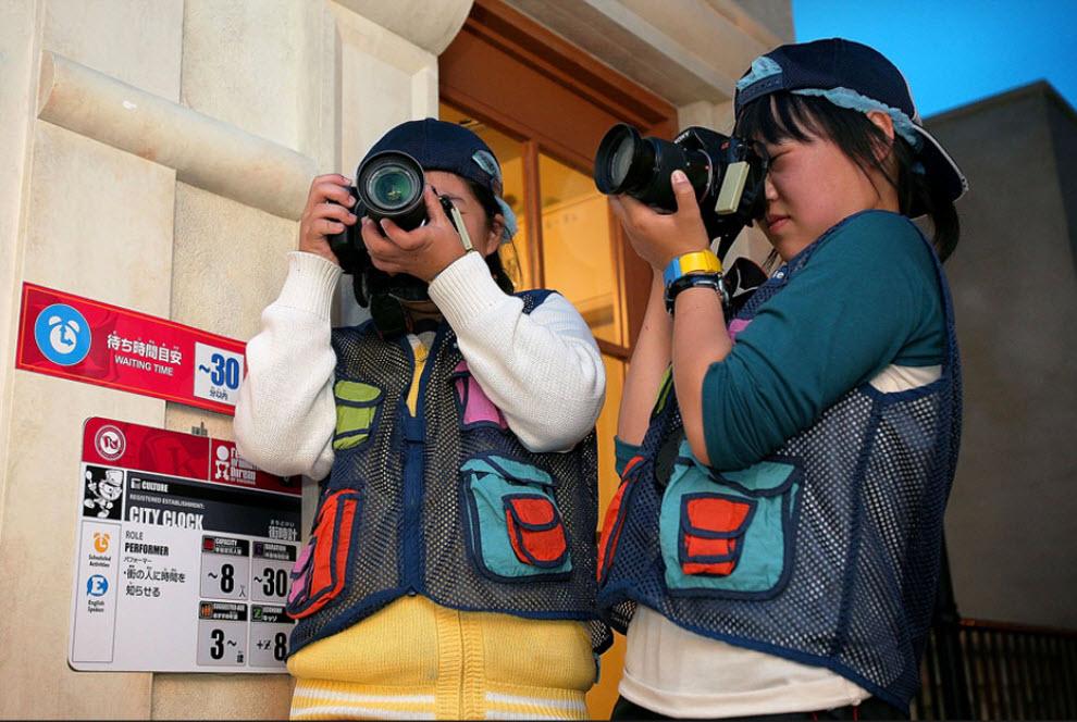5. Дети в роли фотографов на «Неделе профессии» в «KidZania» 15 сентября. (Kiyoshi Ota/Getty Images)