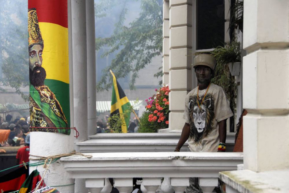 21.  Rastafarian House di London Barat.