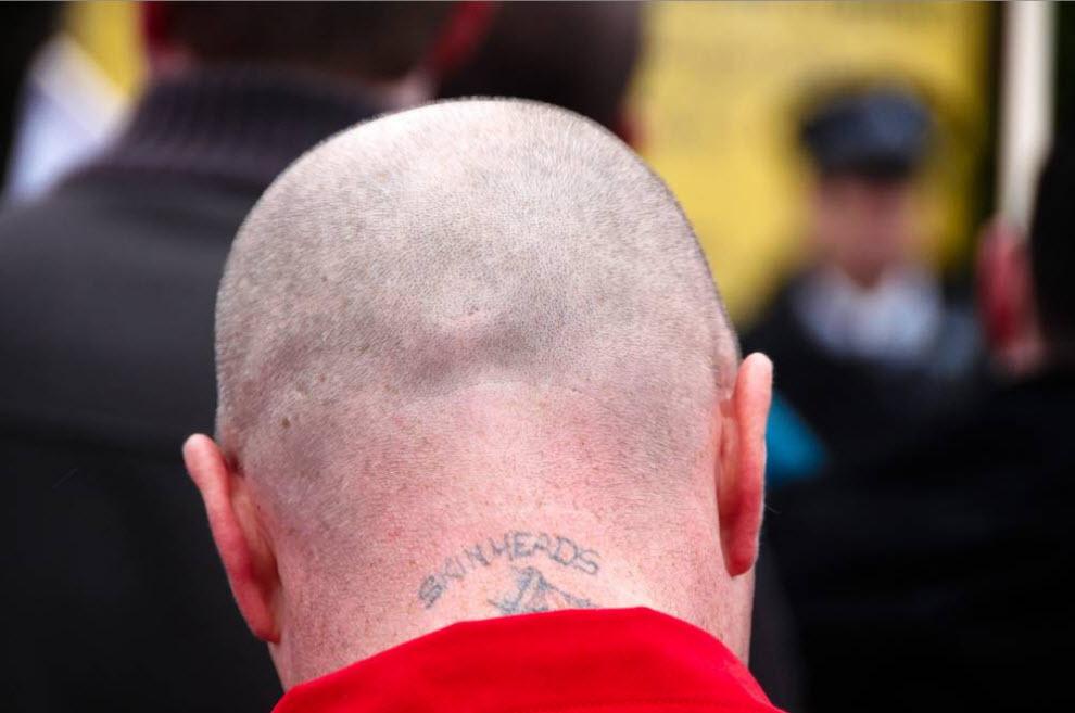 2. Сторонник организации «Национальный фронт» на параде в день святого Георгия 19 апреля 2008 года в Лондоне. (David Hoffman)