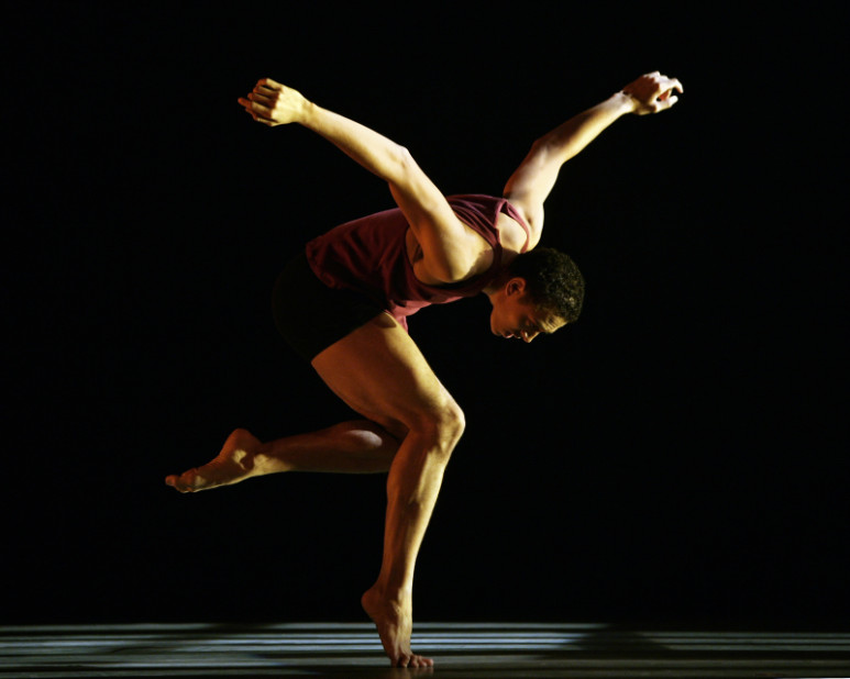 "8) Постановка хореографа Джудит Джеймисон ""Истории любви"" в исполнении Роберта Баттла (Robert Battle), Рене Харрис (Rennie Harris) и Клифтона Брауна (Clifton Brown)"