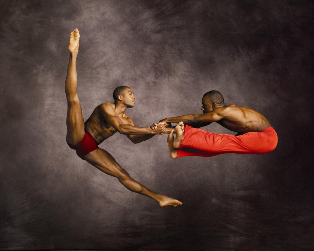 6) Танцоры Антонио Дузит (Antonio Douthit) и Кирвен Дж. Бойд (Kirven J. Boyd)