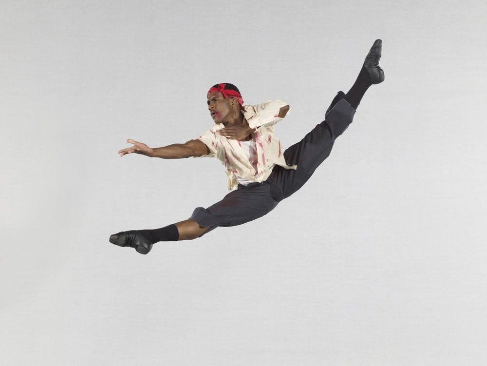 """3) Постановка танцевальной труппы Alvin Ailey """"Язык мазекела"""" в исполнении Kirven Boyd"""