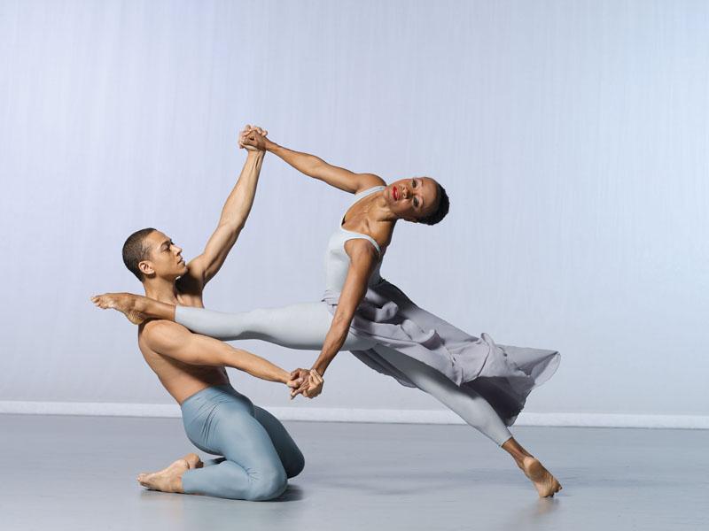 """2) Постановка танцевальной труппы театра танца Элвина Эйли """"Река"""" в исполнении Renee Robinson и Clifton Brown"""