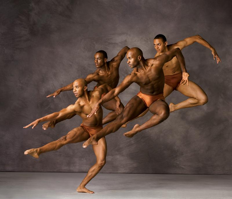16) Танцоры из труппы театра танца Элвина Эйли