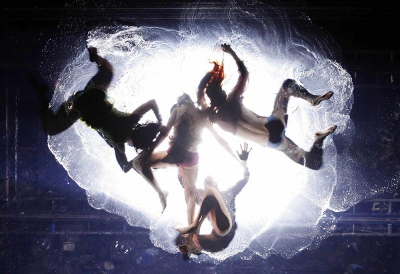"""Fuerza Bruta"": Сила водного танца"