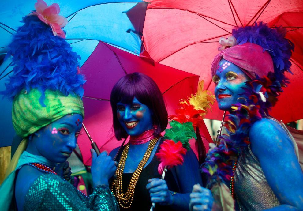 2) Женщины одеты как русалки во время Парада русалок в Бруклине. (Mario Tama/Getty Images News/ fotobank.ua / 20 июня 2009/ США, Нью-Йорк)
