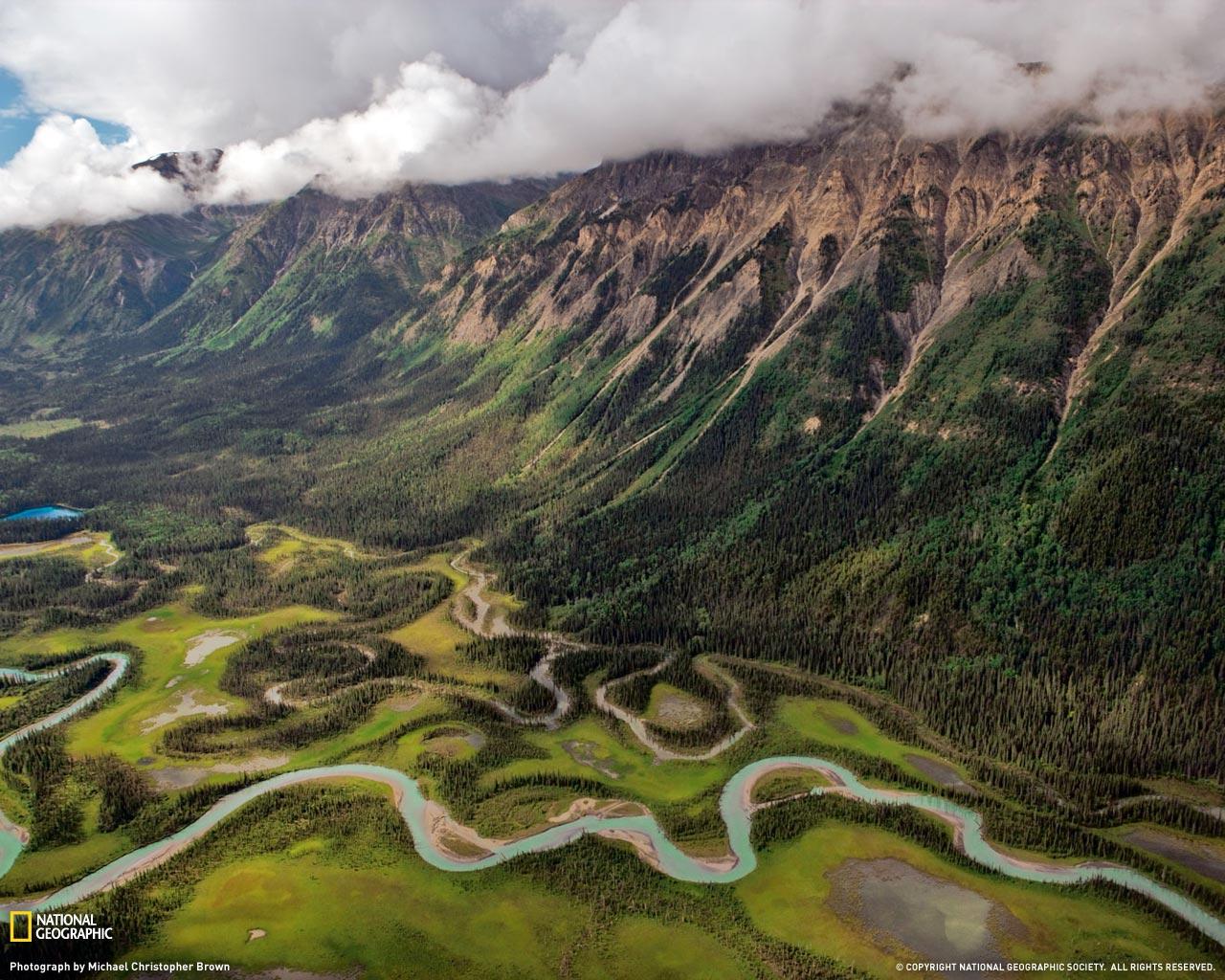 2) Долина реки Тоад.