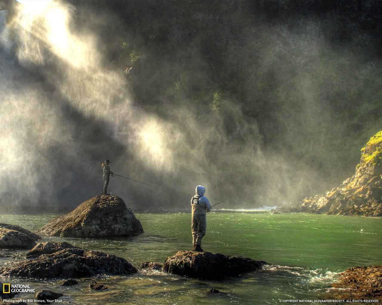 3) Рассвет в тумане водопадов.