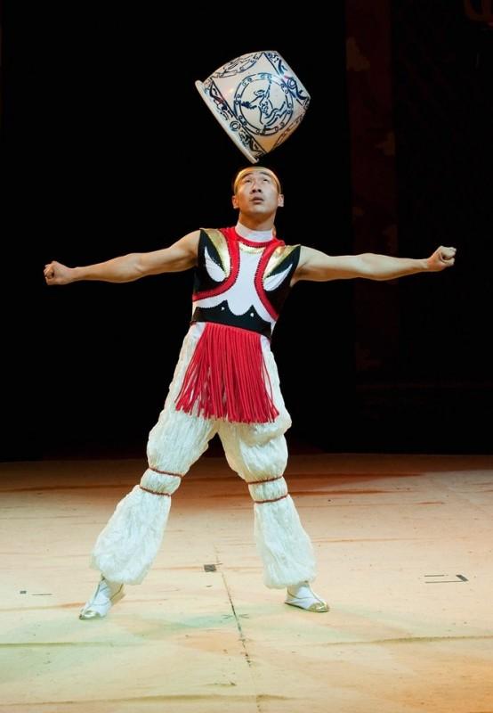 12) Китайский государственный цирк. (Marco Secchi/Getty Images)