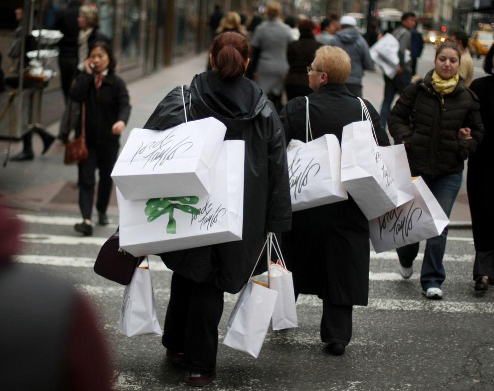 4) По подсчетам Национальной федерации розничной торговли, в этом году за первые три дня распродаж покупки совершат 134 млн. американцев. (EPA / 27 ноября 2009/ США, Нью-Йорк)