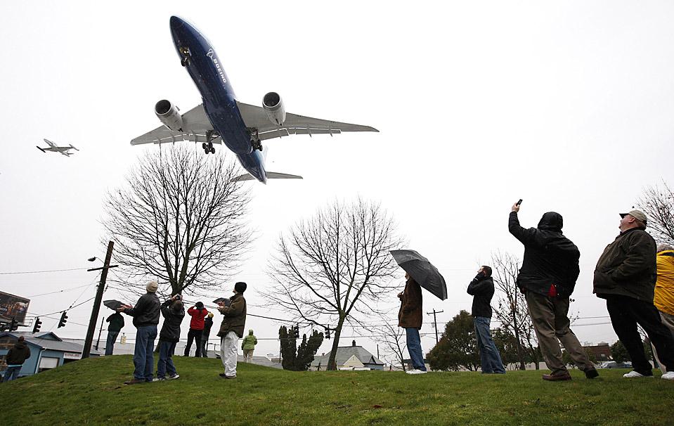 BOEING 787 MAIDEN FLIGHT