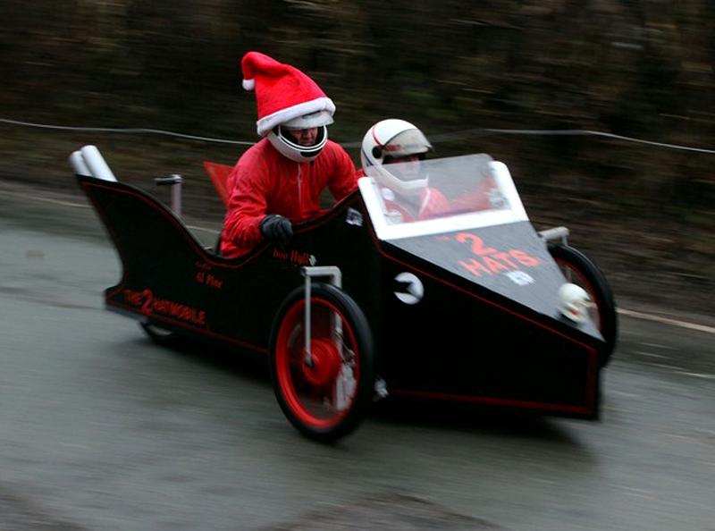 3) Рождественские наездчики 'Две шляпы'. (Christopher Furlong/Getty Images)